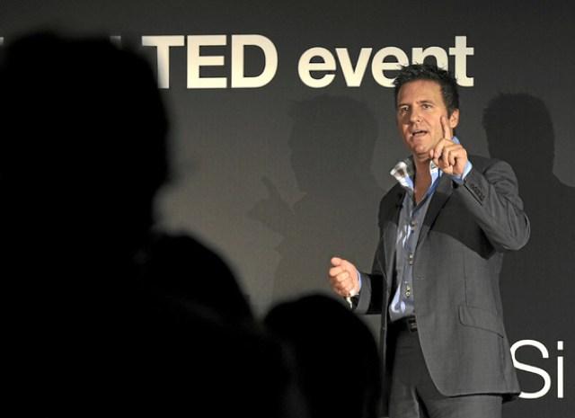 Iván Mañero buscando remover conciencias. Foto: TEDxSol