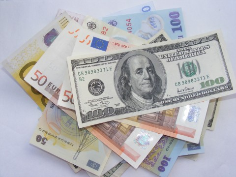 Money-Euro-USD-LEI_53073-480x360