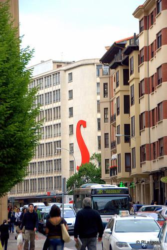 Edificios de viviendas en la calle Estella. Al fondo, la calle Cortes de Navarra