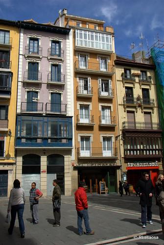 Edificios de viviendas en la calle Mercaderes
