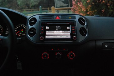 2010 VW Tiguan Instruments (7)