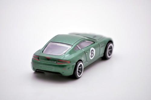 hw speed machine aston martin v8 vantage (5)