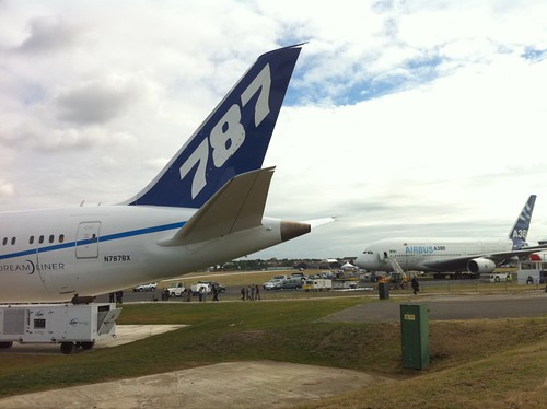 A380 & 787 together for the first time. #FARN10