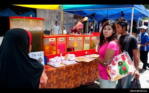 i am thirsty... nice handbag! Gaya Street, Kota Kinabalu.
