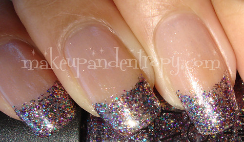 Glitter french manicure-closeup