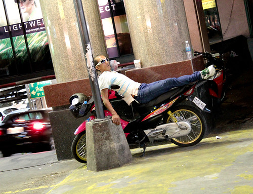 wow, thai people can sleep anywhere!