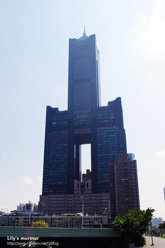 這就是85大樓全貌囉!陽光實在很強啊!