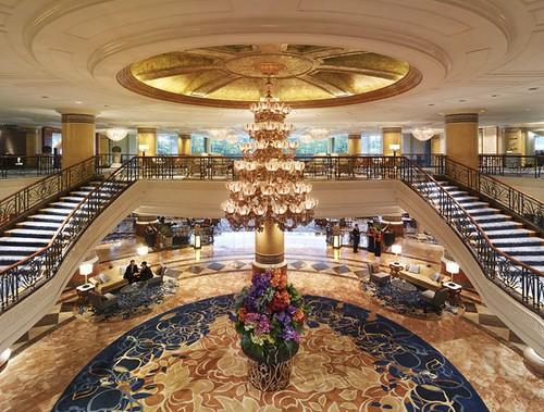 Makati Shangri-La lobby