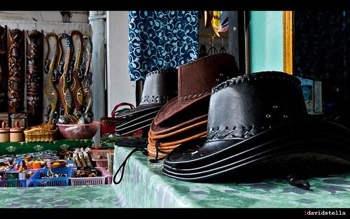 souvenirs at Pekan Nabalu {Nabalu town}