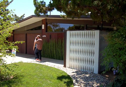 Koutchis Residence