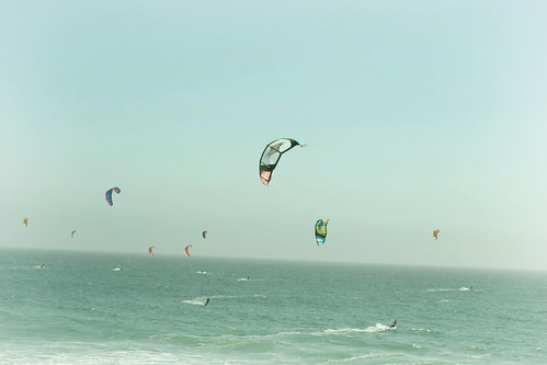Insane kite surfers