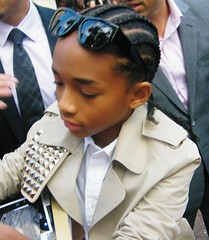 Jaden Smith signs autographs at the premiere o...