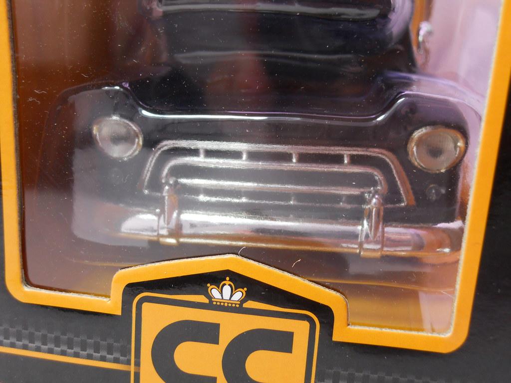 jada toys 1957 chevy suburban collectors club (3)