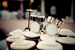 cupcakes with drums