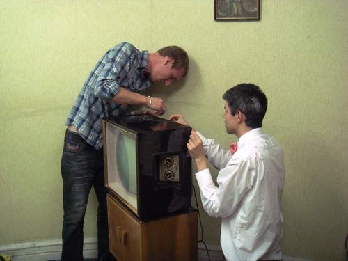 Complete History of Food by Bompas and Parr - The TV was bruck