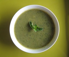 Zucchini soup with fresh mint