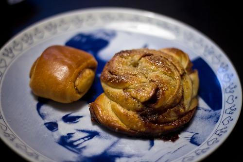 Kanelbulle som är hembakad / Home made cinnamon bun