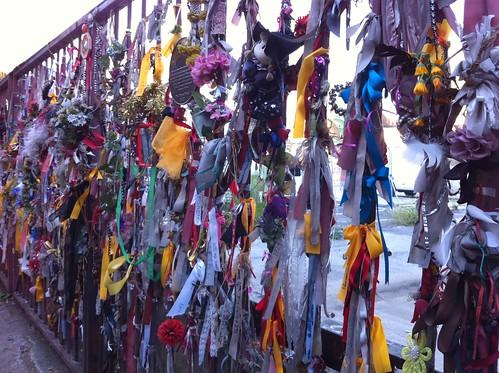 Memorial gate, Crossbones