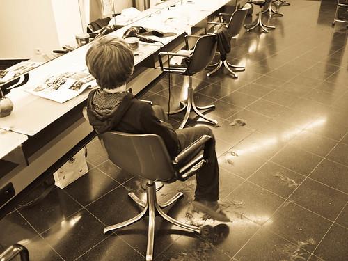 Henri bij de kapper