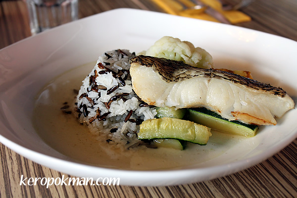 Cod with Veggies and Mixed Rice Grains