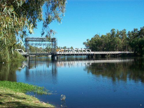 Swan Hill Bridge