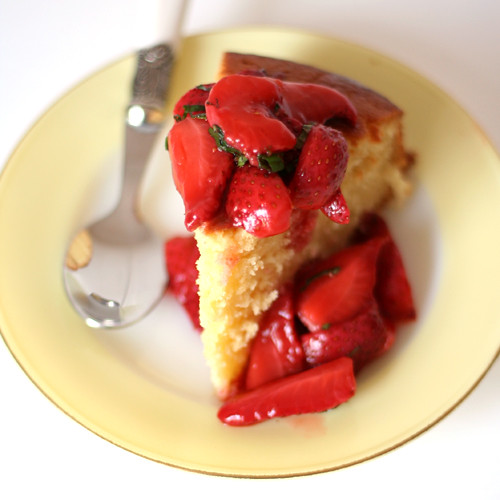 lemon cake with strawberry pimms compote