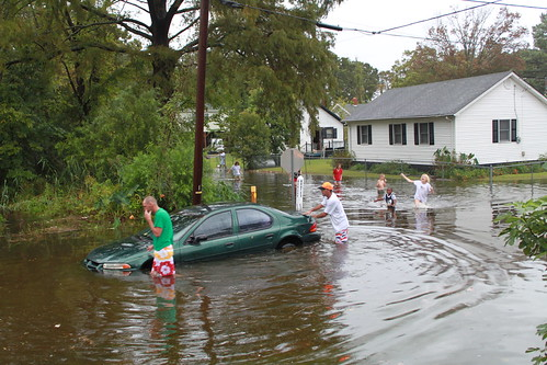 Elizabeth City - Flood - Family Getting Car