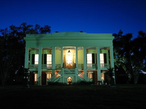 bocage plantation at dusk