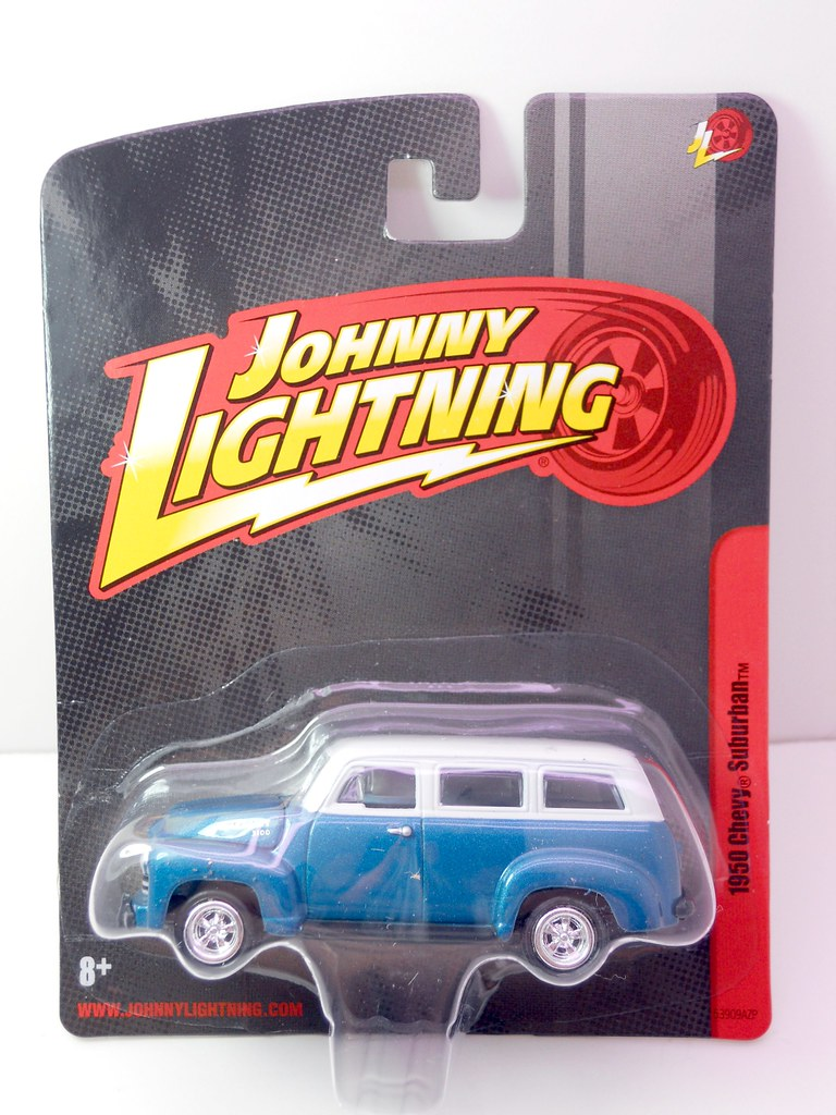 johnny lightning 1950 Chevy Suburban (1)