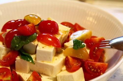 島豆腐のカプレーゼ