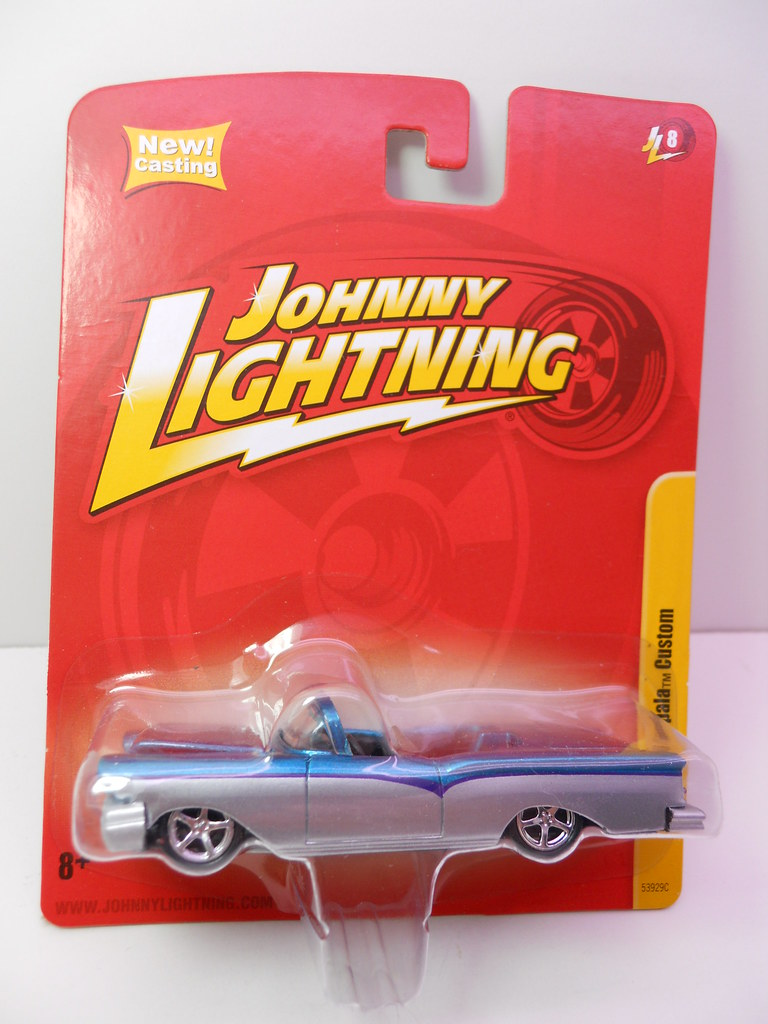 johnny lightning chevy impala custom (1)