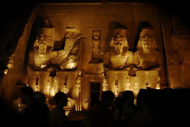 Sombras en Abu Simbel