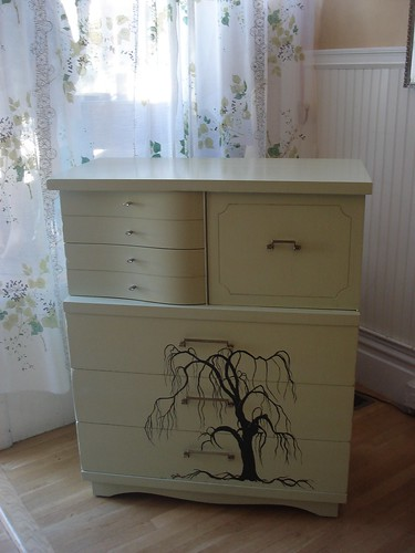 Green Weeping Willow Dresser