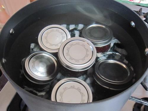 Vacuum seal the jam jars