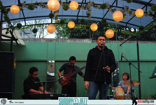 David-Manuhutu-n-Friends-Sunday-Jazz-October-2010 (12)