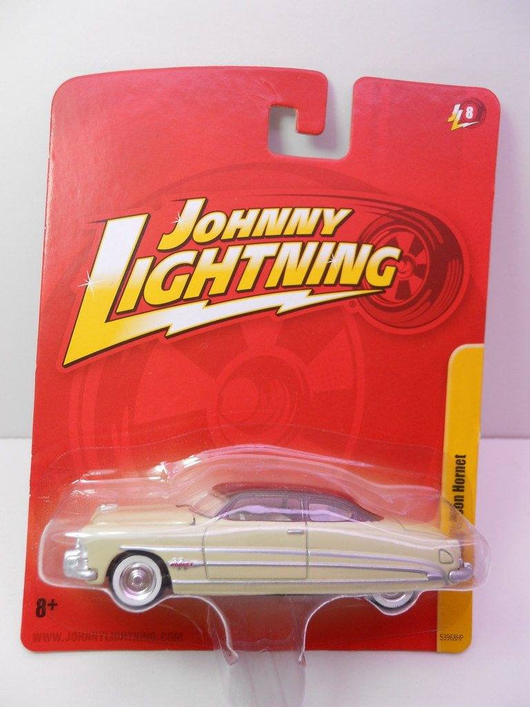 johnny lighting hudson hornet cream (2)