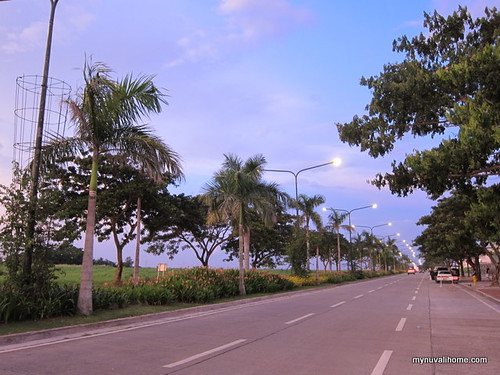 Wide road fronting the Sta. Rosa Hospital