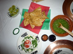 Kaktusblattsalat (Nopales) und Knabbereien