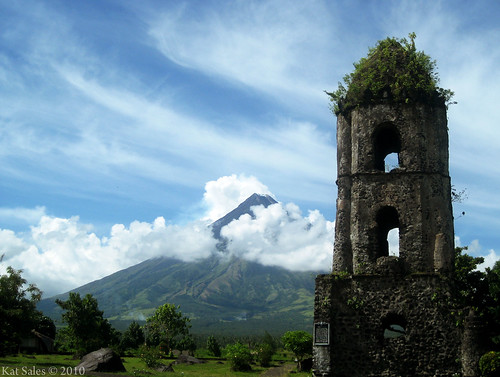 365/September 6: Cagsawa Ruins and Mt. Mayon