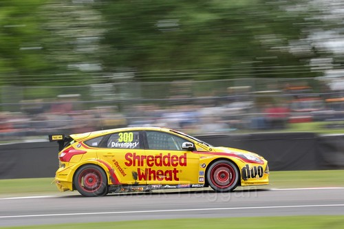 Luke Davenport in BTCC action at Oulton Park, May 2017