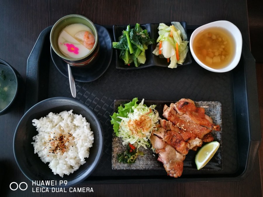 鮮魚丼日式平價料理