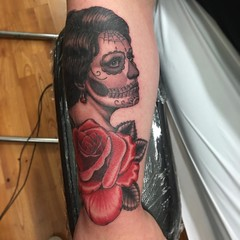Portrait turned Day of the dead #diadelosmuertos #dayofthedead #rosetattoo #tattoo #realistictattoo #chicoca #chicostate #chicocalifornia #eyeofjade