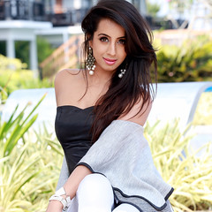 South Actress SANJJANAA Hot Exclusive Sexy Photos Set-24 (9)