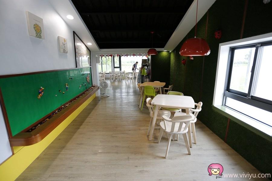 [宜蘭.美食]玩的瘋 Wonderful 親子廚房~宜蘭親子餐廳.綠色大草皮適合奔跑.沙坑.積木.小車車任你玩 @VIVIYU小世界