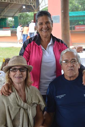 Janete Rezende com Sônia e Luiz Caixeiro