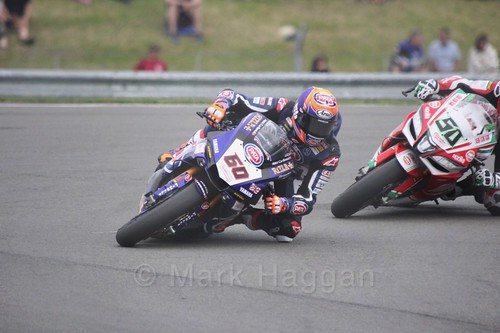 Michael van der Mark leads Eugene Laverty in World Superbikes at Donington Park, May 2017