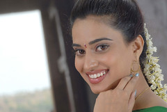 Indian Actress DIMPLE CHOPADE Hot Photos-Set-1 (17)