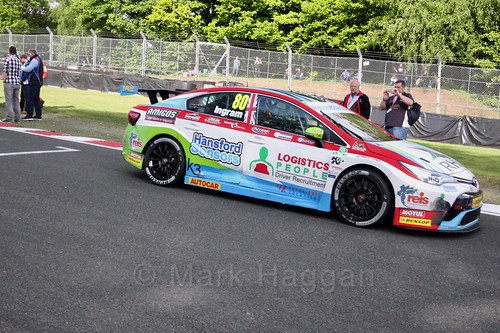 Tom Ingram heads on to the BTCC grid at Oulton Park, May 2017