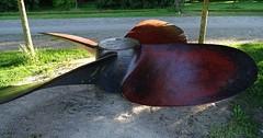 """Der Schiffspropeller. Die Schiffspropeller. Veraltete Bezeichnung: Die Schiffsschraube. Die Schiffsschrauben. Gewicht: Über 10 Tonnen. • <a style=""""font-size:0.8em;"""" href=""""http://www.flickr.com/photos/42554185@N00/35017903576/"""" target=""""_blank"""">View on Flickr</a>"""