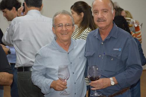 O connoisseur de vinhos Erailto Cavaglieri, com o presidente da Consul, Matusalém Sampaio